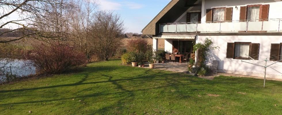 Südsteiermark Bauernhof mit Naturbadesee und großer Lagerhalle